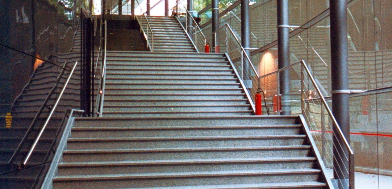 Escalier palais des congres de tours
