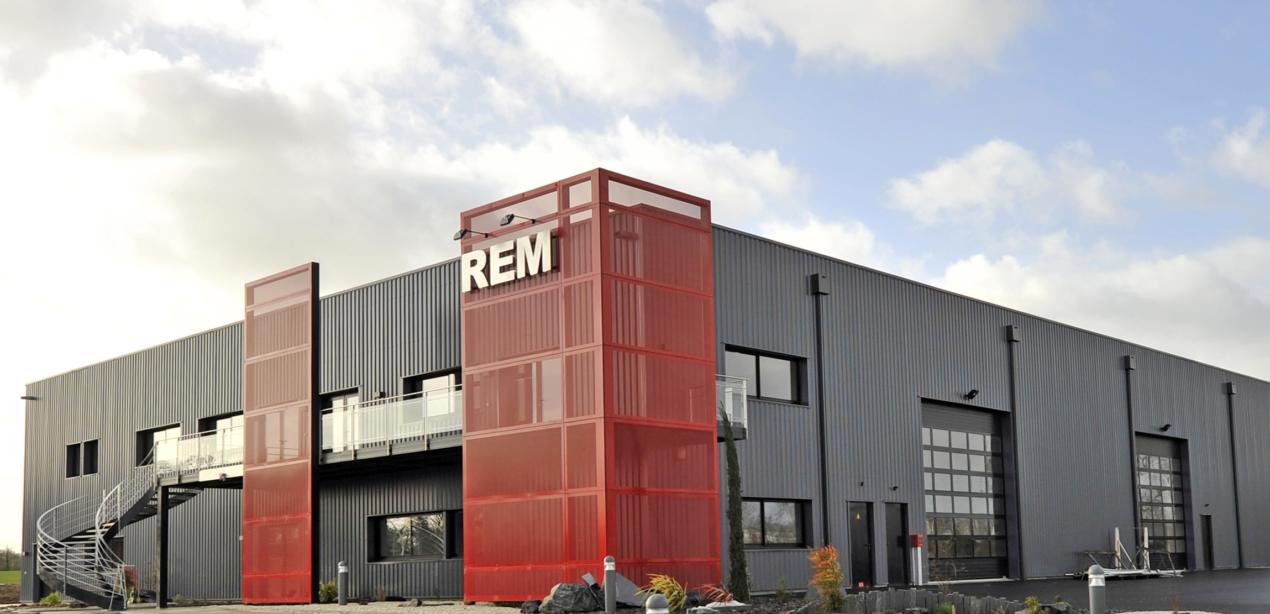 Atelier de fabrication escaliers REM