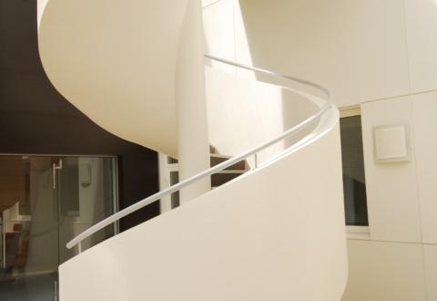 Main courante sur un escalier