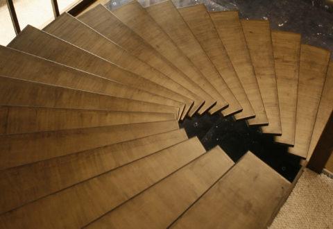 Marches d'un escalier