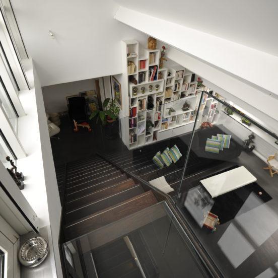 escalier droit bois metal garde-corps verre