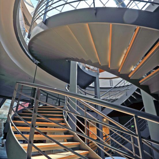 double révolution escalier sur mesure métallique
