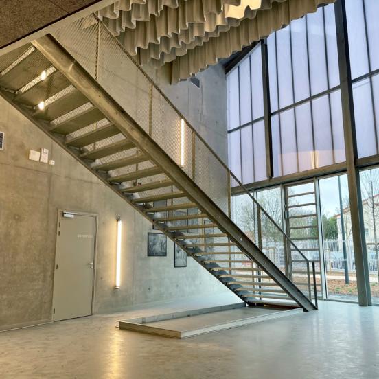 escalier industriel sur mesure hall escalier acier galvanisé