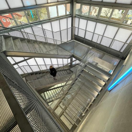 escalier industriel acier plusieurs niveaux