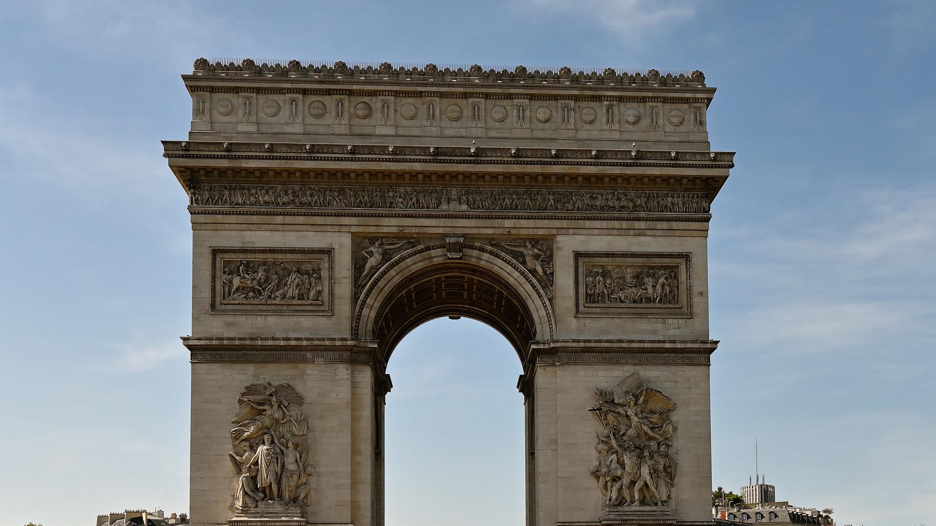 Escalier sur mesure monuments historiques Arc de Triomphe