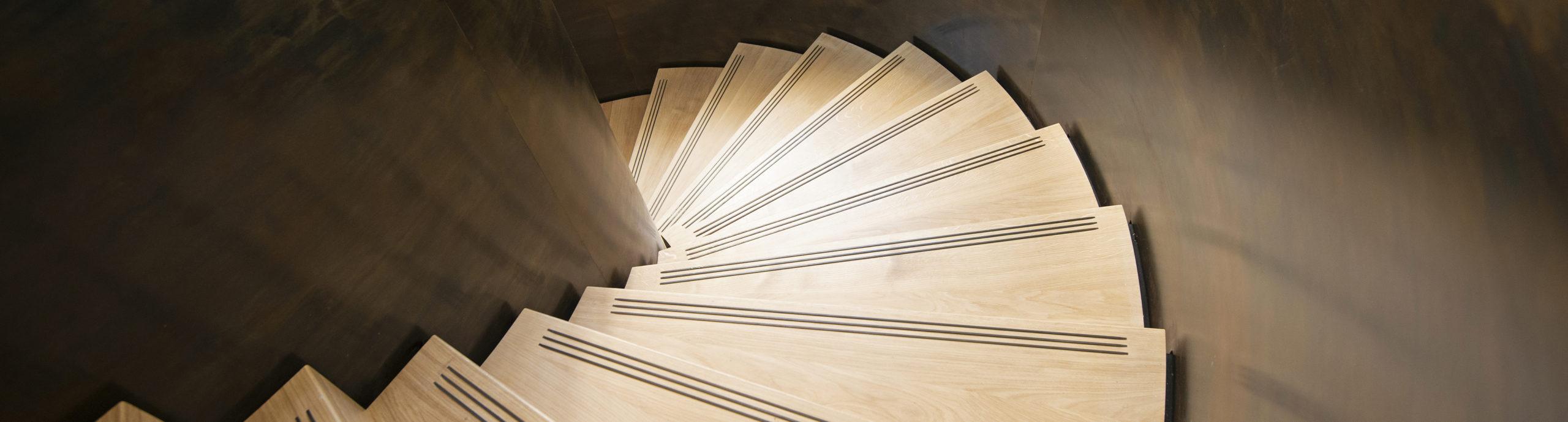 escalier balance acier et bois