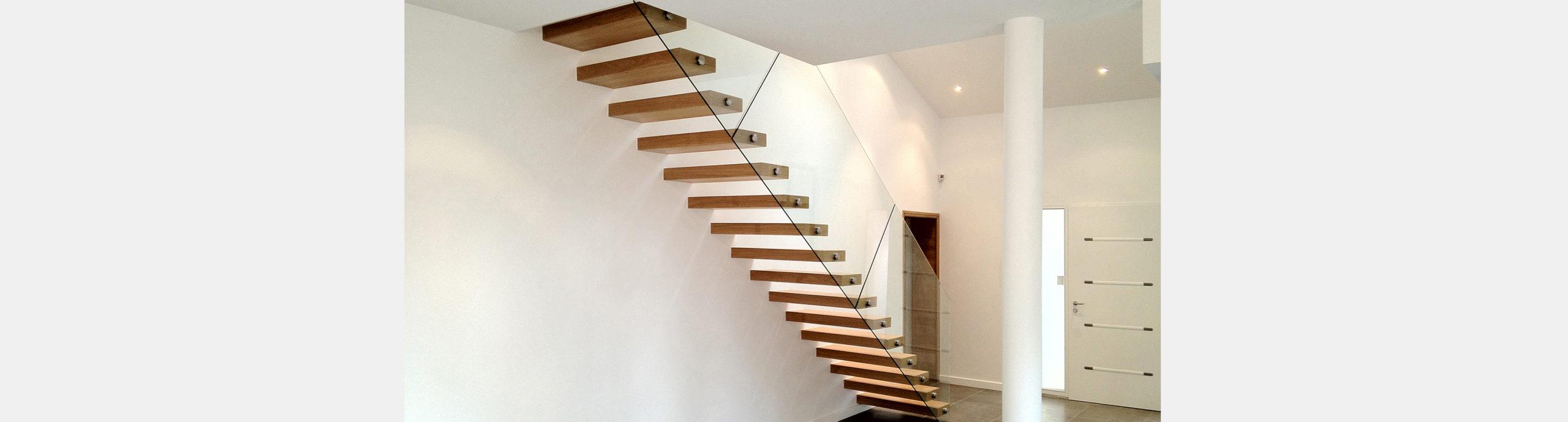 escalier droit autoportant sur mesure