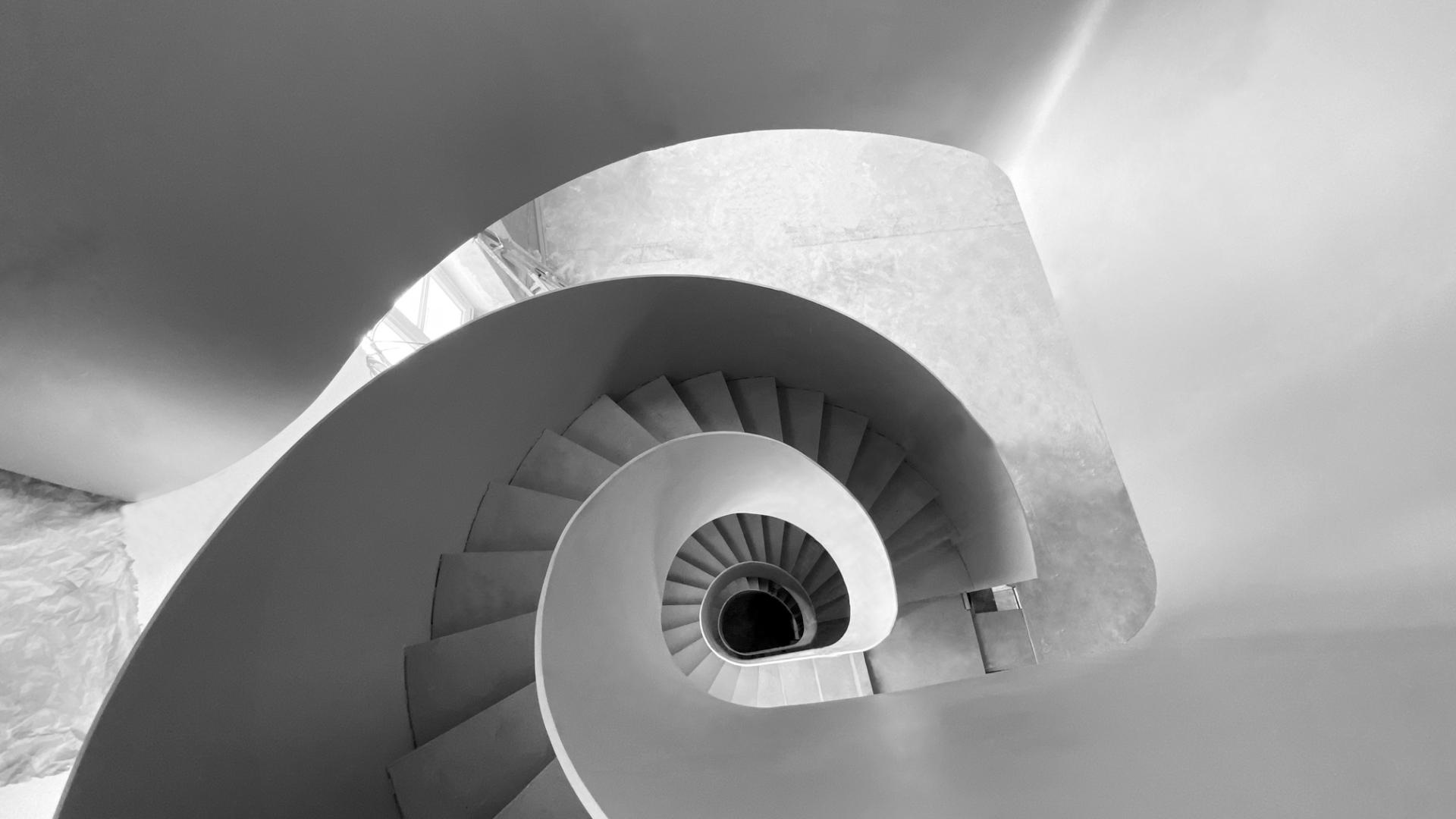 escalier spirale sur mesure résidence privée paris vu dessus
